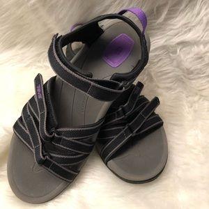 Teva Tirra Black/purple Sandals Like New Condition
